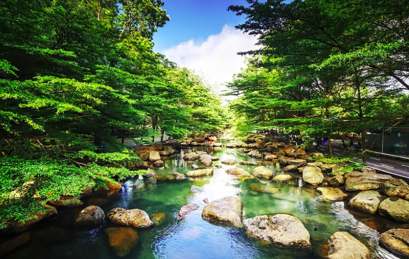 Suối nước nóng Thủy Châu