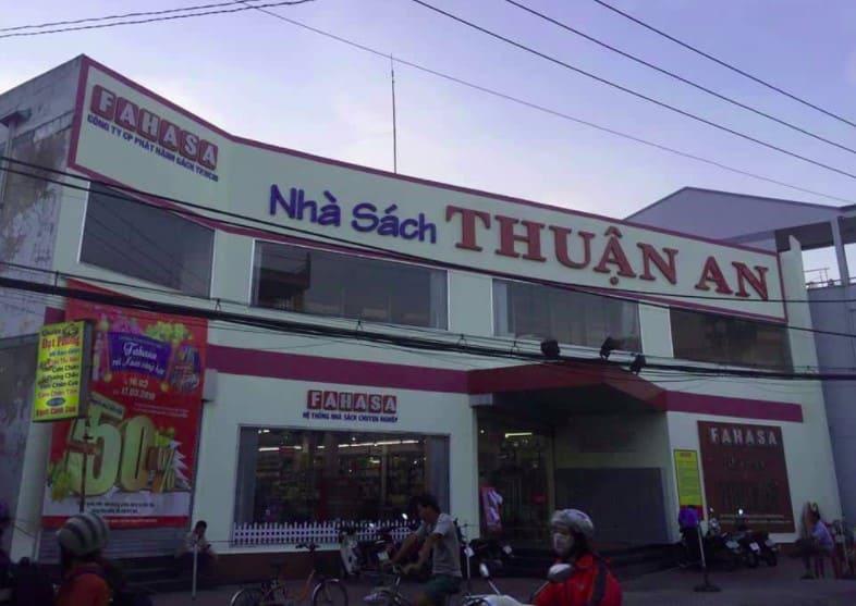 Nhà Sách Fahasa Thuận An